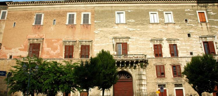 Itinerari - Andria - Strada dei Vini DOC Castel del Monte